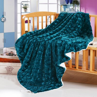Reversible Fleece Throw Blanket Size: Full