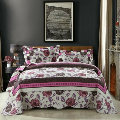 Chrysanthemum Vines Reversible Patchwork Quilt Set Size: Twin