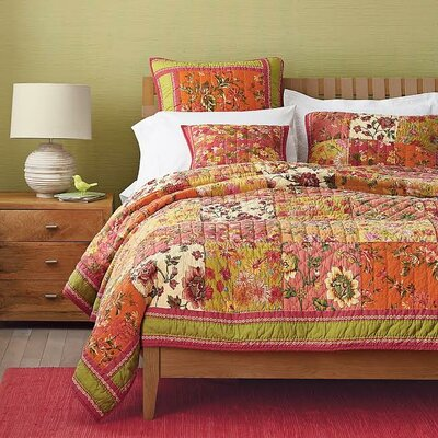 Roses Floral Quilt Set Size: Cushion Cover