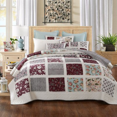 Festive Merlot Burgundy Pines Reversible Quilt Set Size: Queen