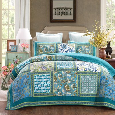 Greek Mediterranean Fountain Reversible Quilt Set Size: Queen