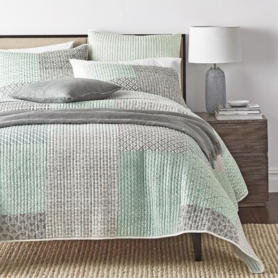 Jerrica Contemporary Geometric Textured Patchwork Quilted Coverlet Bedspread Set Size: California King