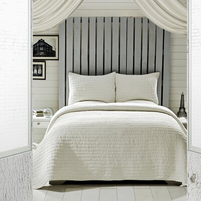 Rochelle 2 Piece Quilt Set Color: Cr�me, Size: Queen