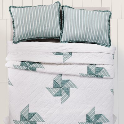 Lighthouse Point Quilt Size: Queen
