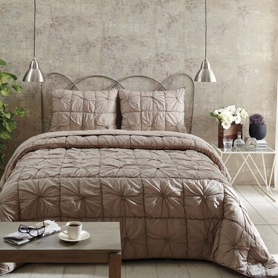 Camille Quilt Set Size: King, Color: Taupe