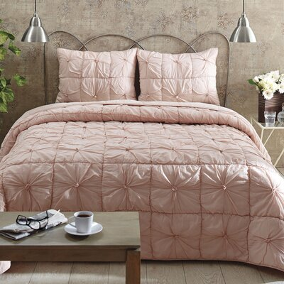 Camille Quilt Set Color: Blush Pink, Size: Twin