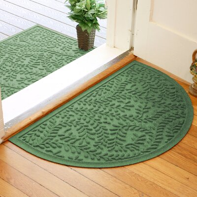 Fairborn Aqua Shield Boxwood Doormat Color: Light Green