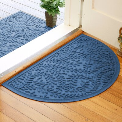 Fairborn Aqua Shield Boxwood Doormat Color: Medium Blue