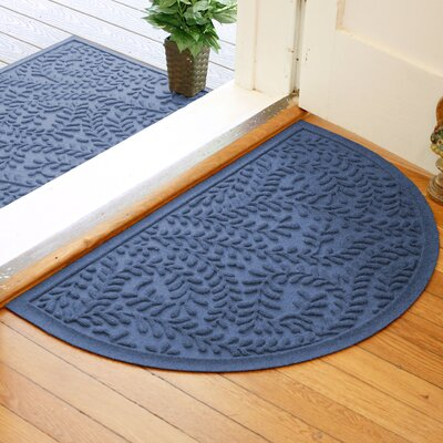 Fairborn Aqua Shield Boxwood Doormat Color: Navy