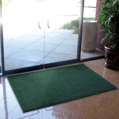 Cloverdale Doormat Color: Pine Green, Size: Rectangle 4 x 6
