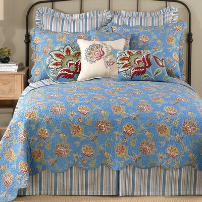 Jacobean Quilt Size: King, Color: Blue
