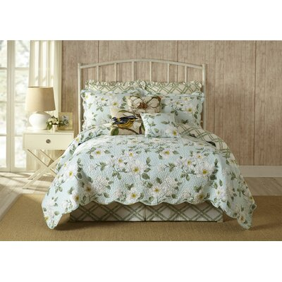 Blooming Magnolia Quilt Size: King