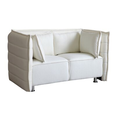 Chesterfield Sofata Chesterfield Loveseat Upholstery: White