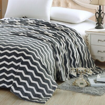 Chevron Throw Blanket Color: Black, Size: Queen