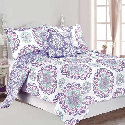 Vivian Quilt Set Size: Full / Queen
