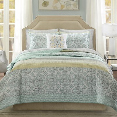 Wedgewood Coverlet Set Size: Queen, Color: Green