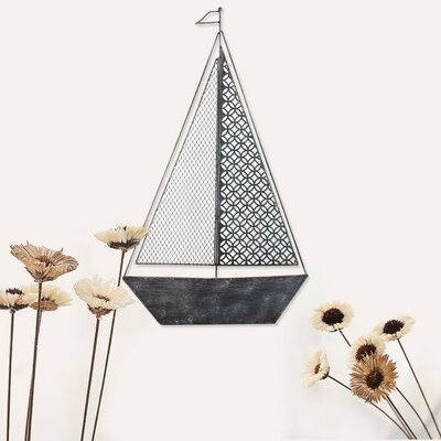 Decorative Distressed Sailboat Iron Widget Wall Decor