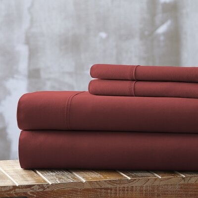 Everyday Essentials 1800 Thread Count 4 Piece Sheet Set Color: Burgundy, Size: King