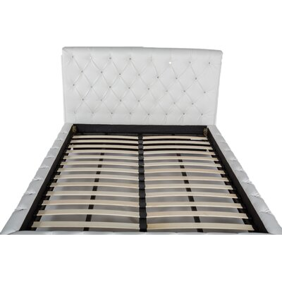 Maria Upholstered Platform Bed Size: Queen