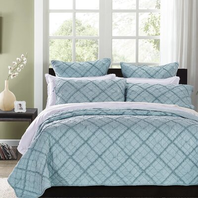Diamond Applique Quilt Collection