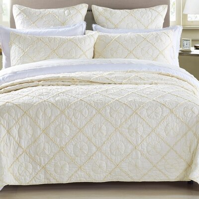Country Idyl Quilt Size: Queen, Color: Ivory