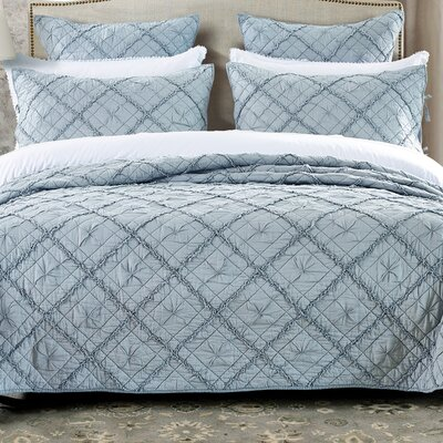 Diamond Applique Quilt Size: King, Color: Fog
