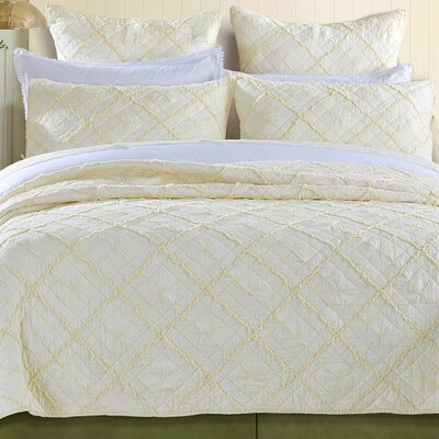 Diamond Applique Quilt Size: Queen, Color: Ivory