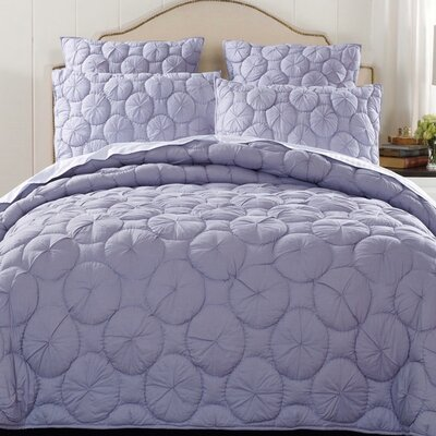 Dream Waltz Luxury Quilt Size: Queen, Color: Gray
