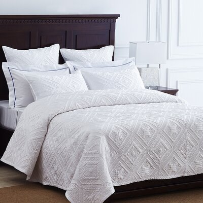 Fern Crystal Quilt Size: King, Color: White