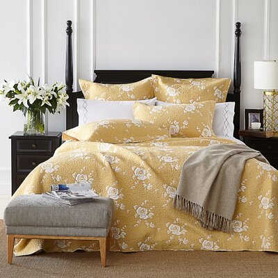 Rose Melody Luxury Hand Made Quilt Size: King