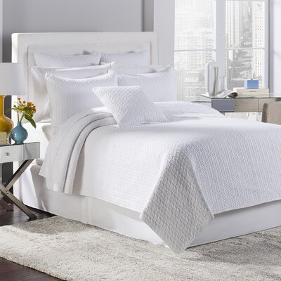 Estate Tristan 3 Piece Reversible Quilt Set Color: White, Size: King