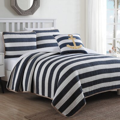 Hampton Reversible Quilt Set