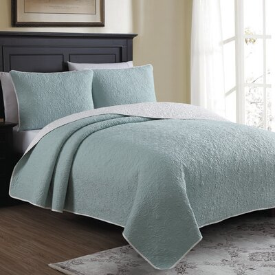 Marseille Reversible Quilt Set Size: Full/Queen, Color: Blue