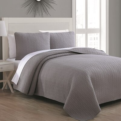 Tristan Quilt Set Size: King, Color: Dove Gray