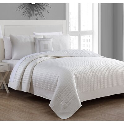 Estate Crosby Quilt Set Color: Ivory, Size: Full/Queen