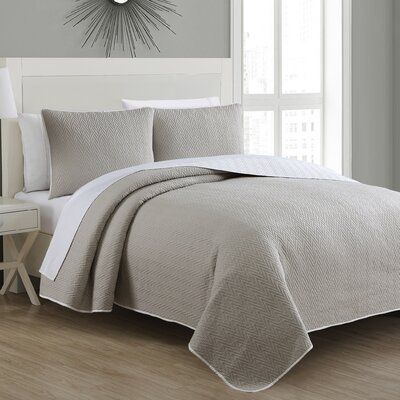 Estate Reversible Quilt Set Size: Full/Queen, Color: Grey