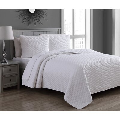Estate Fenwick Cotton Quilt Set Size: King, Color: White