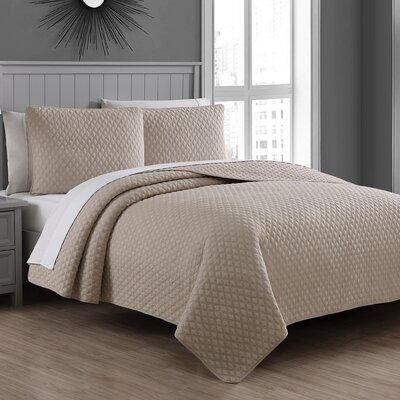 Estate Fenwick Cotton Quilt Set Size: King, Color: Taupe