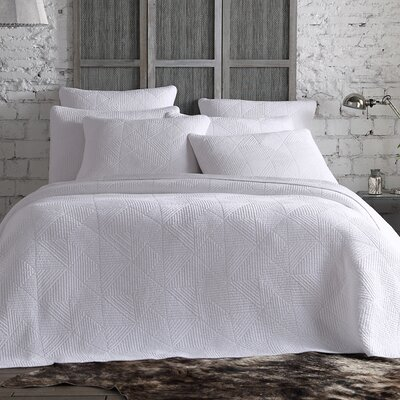 Landyn Quilt Set Color: White, Size: King