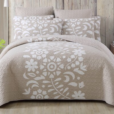 Walters Kelsey Quilt Set Size: King