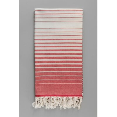 Illusion Bath Towel Color: Red
