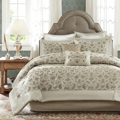 Kingsley Comforter Set Size: Queen