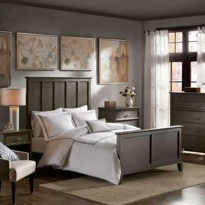 Yardley Platform Bed Size: Queen