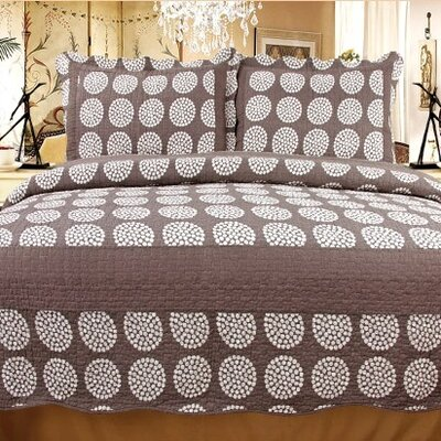 Classic Chic 3 Piece Reversible Quilt Set Size: Full / Queen
