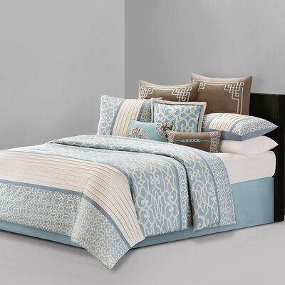 Fretwork 4 Piece Reversible Comforter Set Size: King