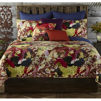 Wild Flowers Quilt Size: King