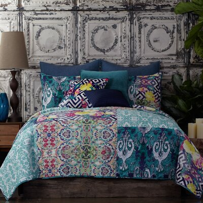 Florencia Quilt Size: King