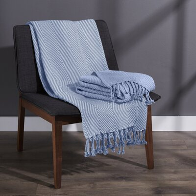 Elegancia Cotton Chevron Throw Blanket Color: Blue