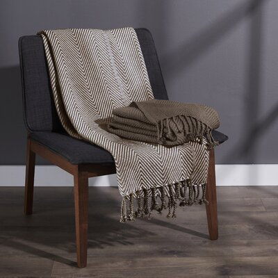 Elegancia Cotton Chevron Throw Blanket Color: Chocolate