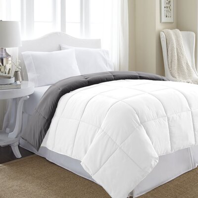 Reversible Down Alternative Microfiber Comforter Size: Queen